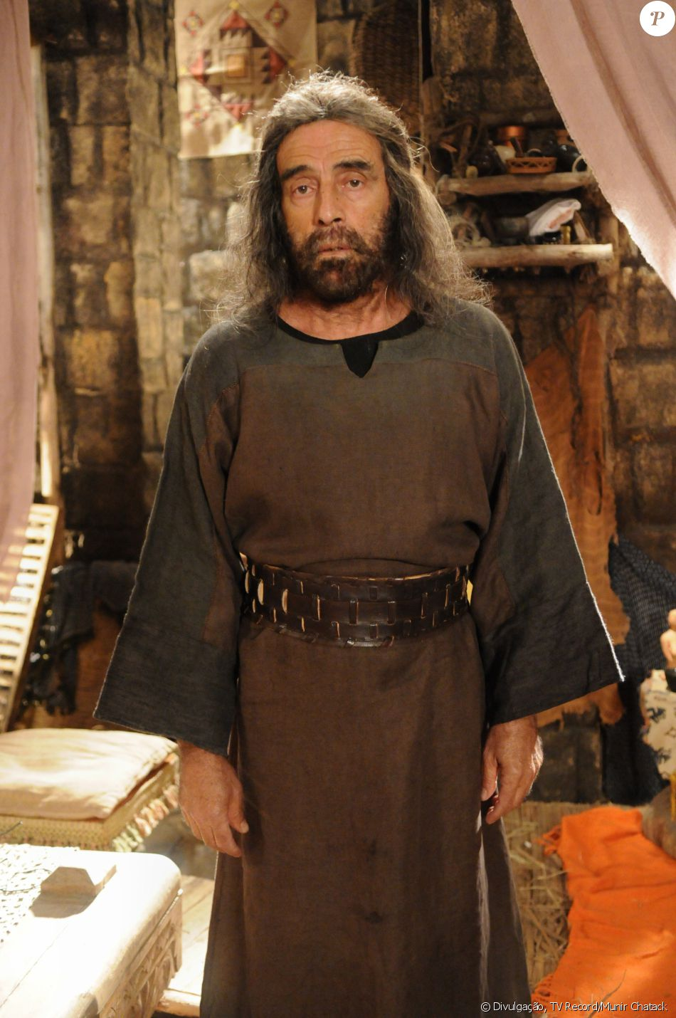 Orias (Walter Breda) é pai de Raabe (Miriam Freeland). É um sapateiro grosseiro e bruto que não se conforma com o fato da filha ser prostituta, na novela 'A Terra Prometida'