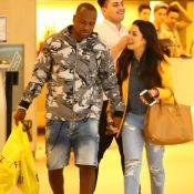 Fernanda Souza usa bolsa de R$ 7 mil para ir ao cinema com Thiaguinho. Fotos!
