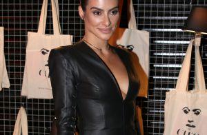 Cleo Pires usa look sensual de couro preto para lançar site em SP. Veja fotos!