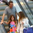 Boninho passeou em família neste sábado, 02 de julho de 2016, em shopping do Rio de Janeiro