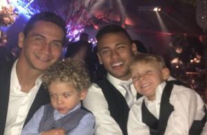 Neymar usa máscara de Batman em festa que foi com o filho Davi Lucca. Fotos!
