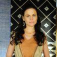 Acsa (Marisol Ribeiro) é alvo das investidas de Gibar (Rodrigo Phavanello), na novela 'A Terra Prometida', na quinta-feira 14 de julho de 2016