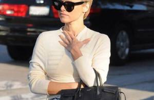 Pamela Anderson sobre corte estilo Joãozinho: 'Meu cabelo já viveu muita coisa'