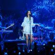 Lana Del Rey contou com árvores no cenário da 'Paradise Tour' em Belo Horizonte