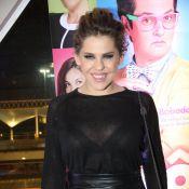 Bárbara Paz prestigia lançamento de filme com look total black transparente