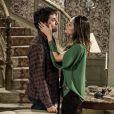 Thales (Ricardo Tozzi) convence Leila (Fernanda Machado) a sair da mansão, dizendo que tudo faz parte do golpe que vão dar em Natasha (Sophia Abrahão), em 'Amor à Vida'