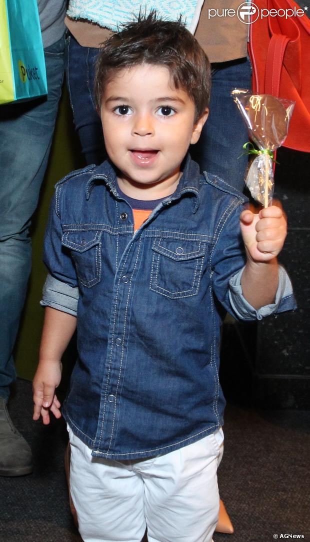 Pedro Paes Baptista, filho da atriz Juliana Paes, completa 3 aninhos nessa segunda-feira, 16 de dezembro de 2013