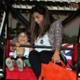 Diversão garantida! Pedro e Juliana Paes gargalham ao brincar na roda gigante de um shopping carioca