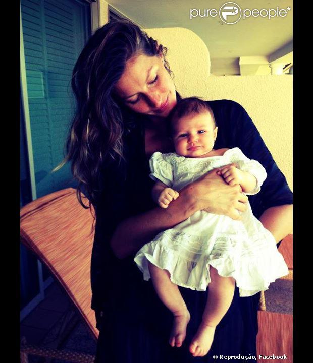 Vivian Lake, a caçulinha de Gisele Bundchen, completa 1 ano nesta quinta-feira, 5 de dezembro de 2013