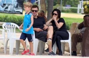 Fernanda Vasconcellos acompanha o namorado, Cássio Reis, em passeio com filho