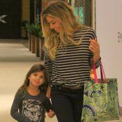 Grazi Massafera viu 1º capítulo de novela com a filha: 'Brincando de boneca'
