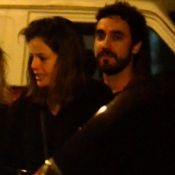 Agatha Moreira nega choro em foto e reafirma relação com ator: 'Está tudo bem'