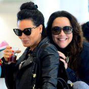 Ana Carolina e Letícia Lima brincam com paparazzo em aeroporto. Fotos!