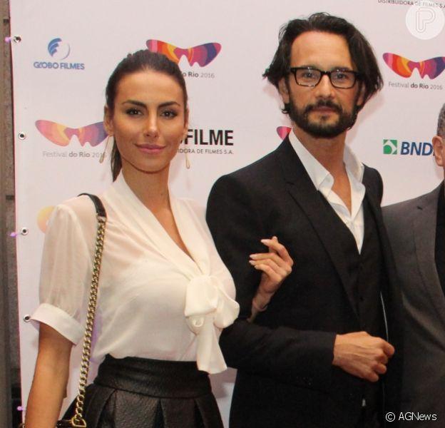 Rodrigo Santoro e Mel Fronckowiak prestigiaram a estreia do filme 'Dominion' no Festival do Rio nesta sexta-feira, dia 07 de outubro de 2016