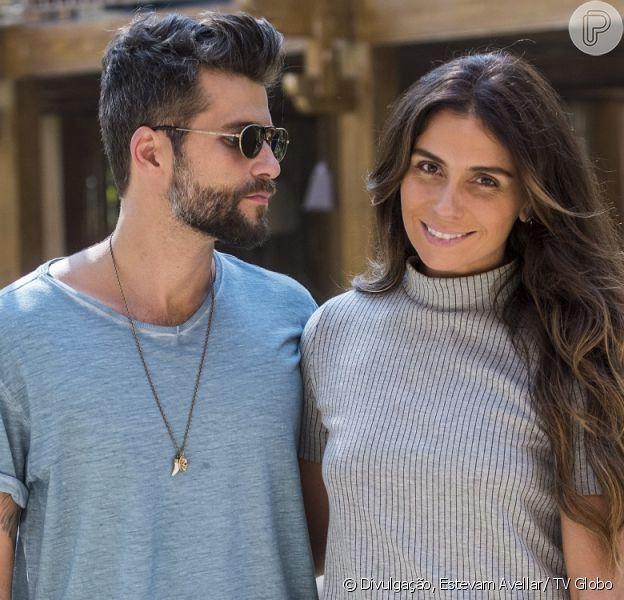 Alice (Giovanna Antonelli)se declara e beija Mario (Bruno Gagliasso) após ser resgatada por ele de uma explosão, a partir de 17 de outubro de 2016, na novela 'Sol Nascente'