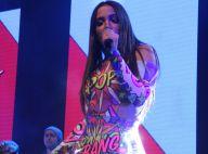 Anitta dança com fã mirim que imita suas coreografias na web em show. Vídeo!