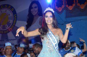 Carnaval 2017: Daniela Albuquerque mostra samba no pé como rainha de bateria
