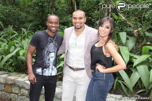 """Thiaguinho, Naldo e Anitta participaram da entrevista sobre o novo programa da TV Globo, """"Sai do Chão"""", nesta terça-feira, 17 de dezembro de 2013"""