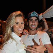 Gusttavo Lima fica noivo de Andressa Suita com anel de brilhantes