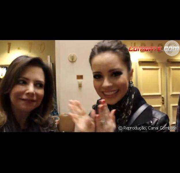 Cantora Sandy aparece com o marido Lucas Lima e os pais, Xororó e Noeli,  em Las Vegas para assistir à luta de Anderson Silva na noite de sábado, 28 de dezembro de 2013