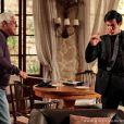 César (Antonio Fagundes) fica irritado acreditando que o filho foi procurá-lo para falar sobre herança e para rir de sua decadência