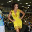Rainha de bateria da escola, Juliana Alves compareceu à festa de 82 anos da Unidos da Tijuca
