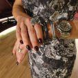 Fátima Bernardes mistura acessórios com relógio, sem medo, em seu programa em 2012
