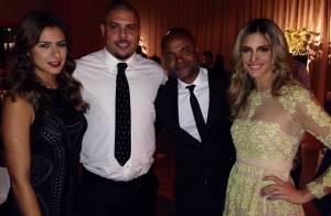 Fernanda Lima posa ao lado de Ronaldo e Paula Morais em festa pós-Bola de Ouro