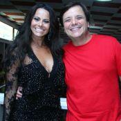 Carnaval: Viviane Araújo recebe ator da novela 'Rock Story' no Salgueiro. Fotos!