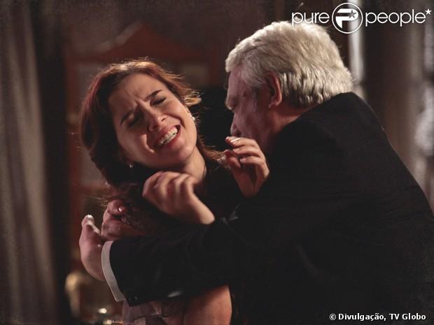 Cena da tentativa de estupro sofrida por Laura (Marjorie Estiano) em 'Lado a Lado' comove público no Twitter, em 10 de janeiro de 2013
