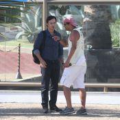 Gabriel Braga Nunes grava 'Em Família' com Helena Ranaldi em condomínio da Barra