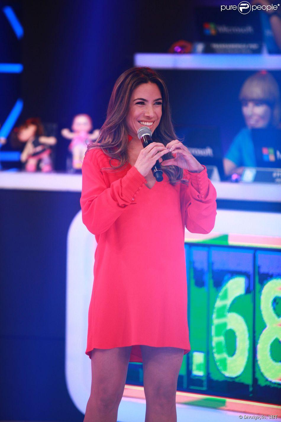 Patricia Abravanel é a nova mamãe. Ela está grávida do deputado fedral Fábio Faria