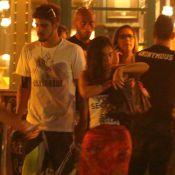 Caio Castro e Camilla Camargo são flagrados juntos na madrugada após jantar