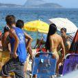 A ex-BBB Mayara atraiu a atenção dos banhistas na praia de Ipanema, na tarde desta terça-feira (2/03)