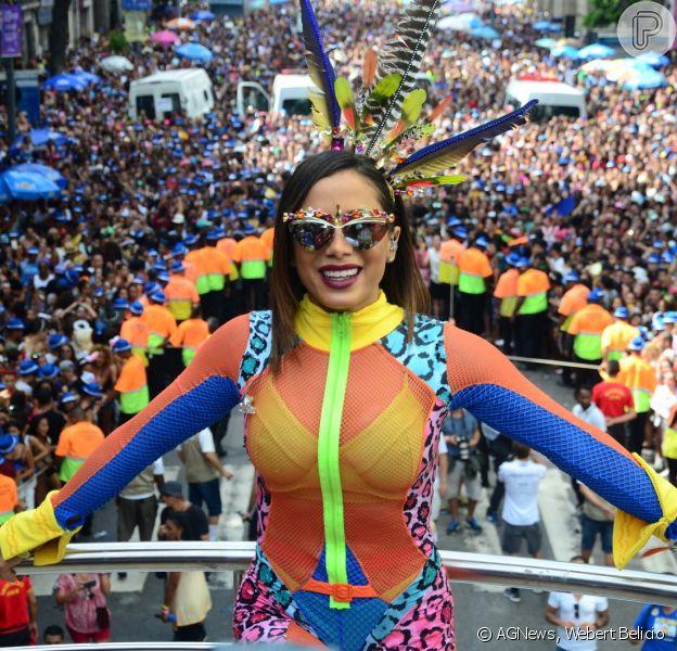 Anitta comandou o Bloco das Poderosas, na manhã deste sábado, 4 de março de 2017, no Rio de Janeiro