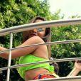 Anitta rebolou durante seu bloco de carnaval