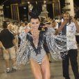 Rainha de bateria da Gaviões da Fiel, Sabrina Sato adiantou para o 'TV Fama' como será sua fantasia no Carnaval 2014: 'Venho representando um prêmio muito importante que o Ronaldo já recebeu, que é a Bola de Ouro'