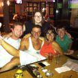 Maria Casadevall está aproveitando as férias na Austrália. A atriz publicou uma foto com amigos na manhã desta quarta-feira, 19 de fevereiro de 2014