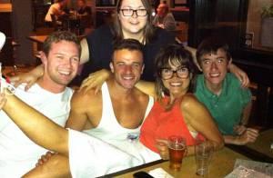 Maria Casadevall publica fotos com amigos durante viagem à Austrália