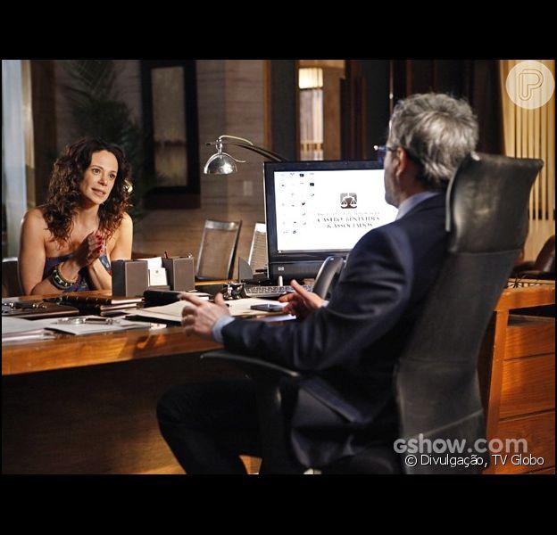 Nando (Leonardo Medeiros) informa a Juliana (Vanessa Gerbelli) que ela não tem nenhum direito legal sobre Bia (Bruna Faria), na novela 'Em Família', em 3 de março de 2014