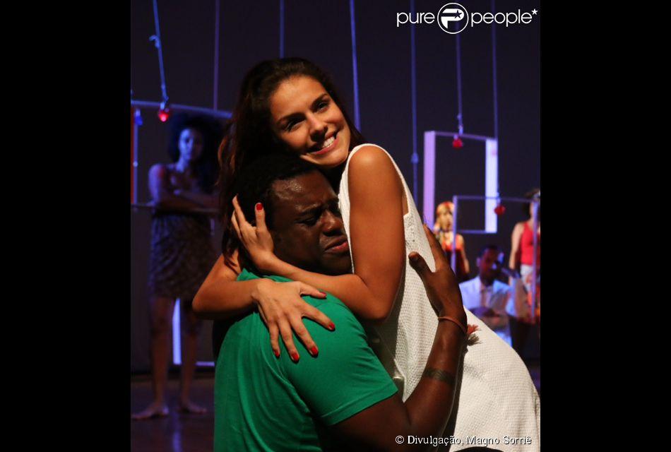 Paloma Bernardi estreia a peça 'Orfeu' em São Paulo, em 13 de março de 2014