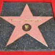 Kate Winslet recebe estrela na Calçada da Fama de Hollywood aos 38 anos
