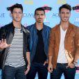 O trio Jonas Brothers anunciou o fim da banda em outubro de 2013, após oito anos