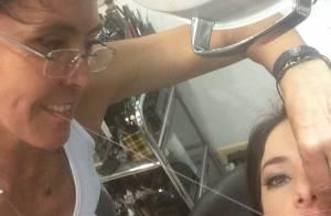 Ticiane Pinheiro posta foto depilando o buço: 'Hora de tirar o bigodão'