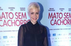 Leandra Leal será camelô e filha de Débora Bloch em novela 'Falso Brilhante'