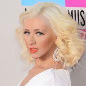 Grávida, Christina Aguilera descobre que está esperando uma menina
