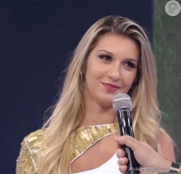 Tatiele Polyana comete gafe no 'Domingão do Faustão' em 30 de março de 2014