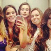 Filha de Xuxa, Sasha curte férias e sai com amigas, entre elas Bruna Marquezine
