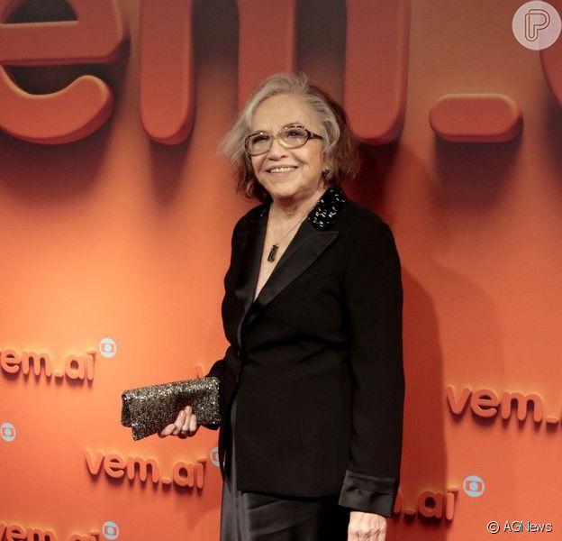 Nathalia Timberg participa da festa 'Vem aí' e fala sobre viver uma homossexual em novela: 'Será estimulante' (2 de abril de 2014)