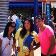 Anitta com seu novo visual ao lado da família nos Estados Unidos